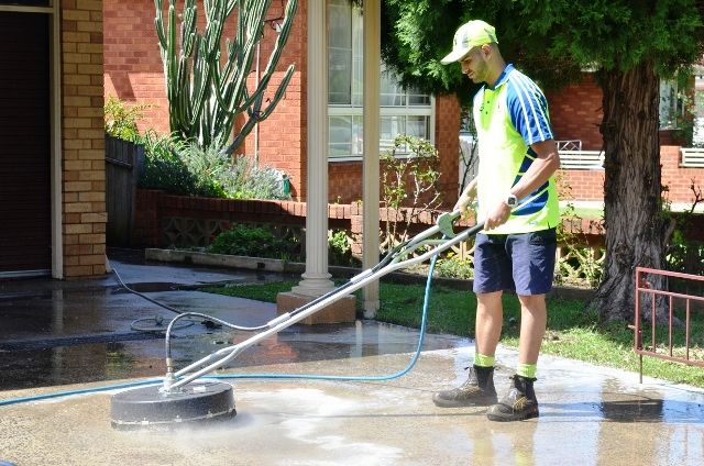 Driveways and Footpath Cleaning